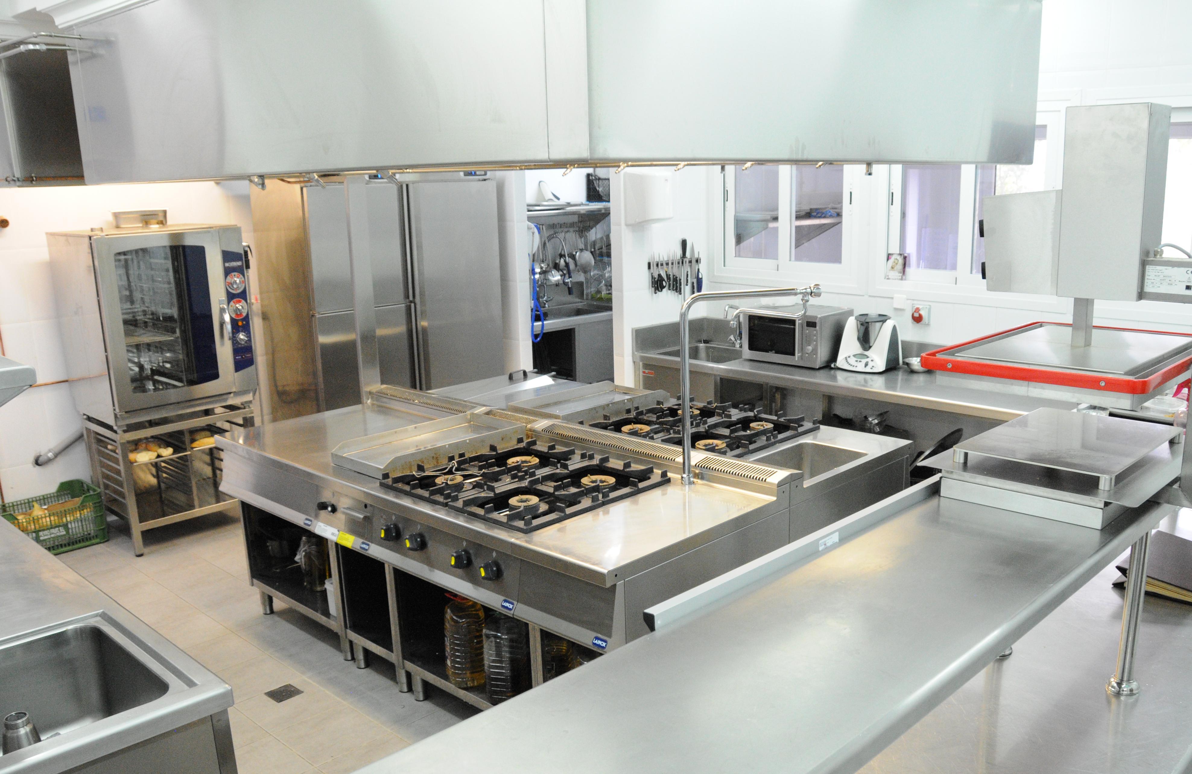 Instalacion cocinas industriales hoteles remodelacion for Distribucion de una cocina para restaurante